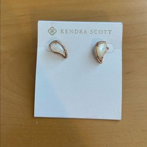 BNWT Kendra Scott Earrings